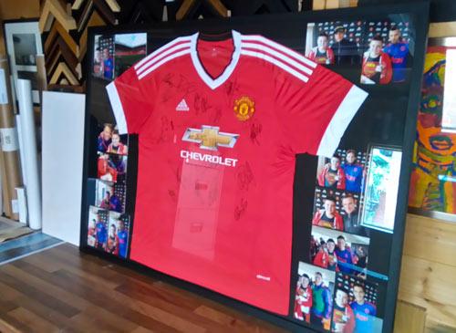 framed signed manchester united shirt jersey