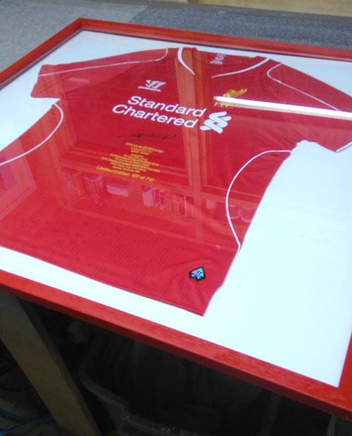 Steven Gerrard 710 signed shirt framed as a gift